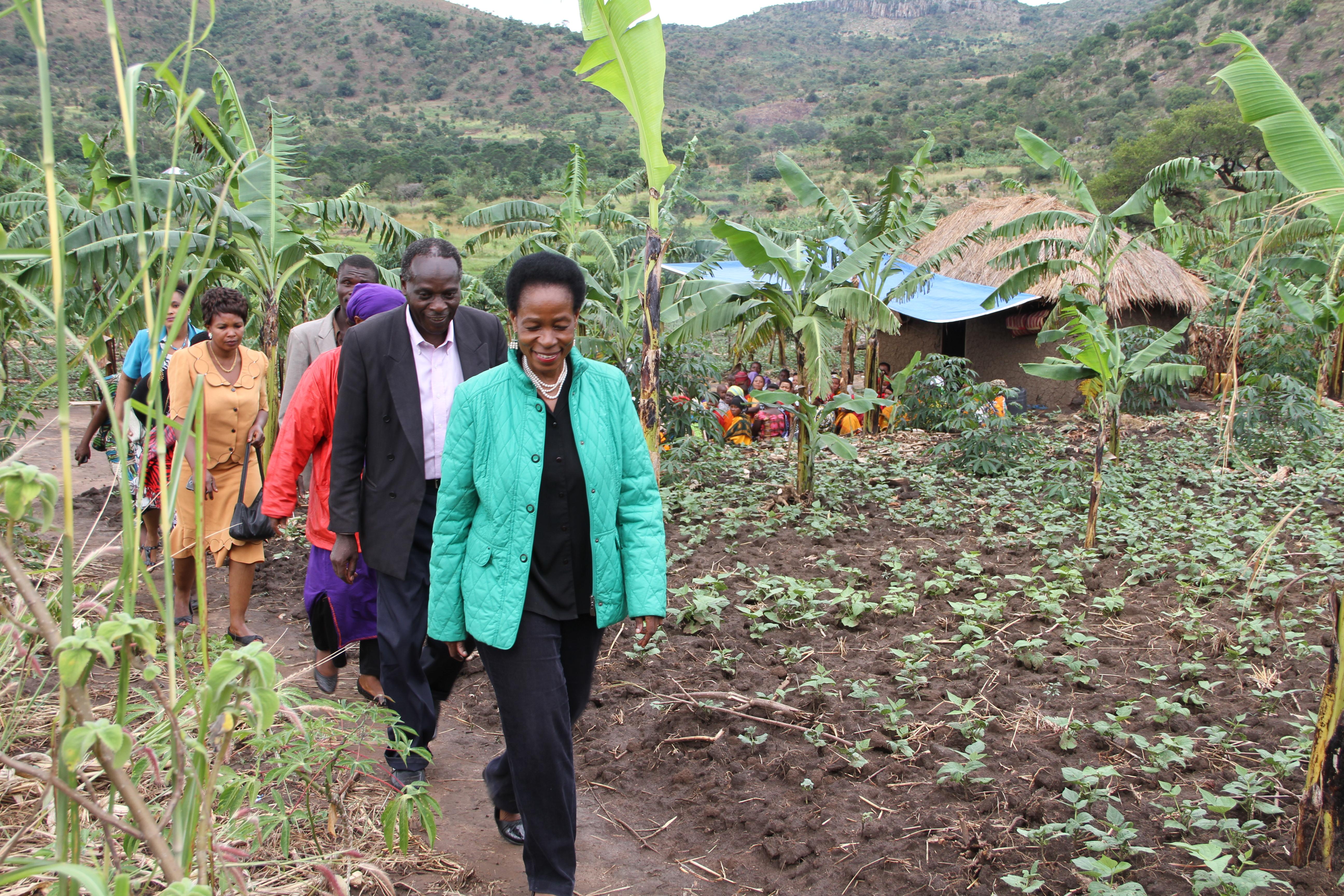 Mbunge wa Muleba Kusini, Mh. Anna Tibaijuka alipofanya ziara kijiji cha Mziro Burigi