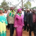 04-06-2015 Prof. Tibaijuka atembelea kijiji cha Kagazi kata ya Nshamba na kuzungumza na mamia ya wananchi waliojitokeza