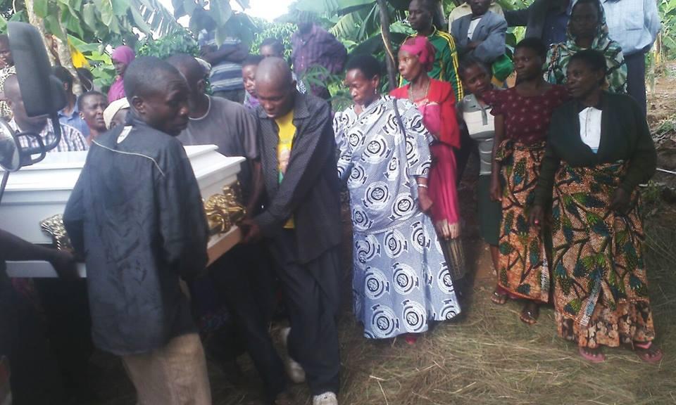 Prof Tibaijuka akiwa katika msiba wa Ta Nshala 22/11/2015