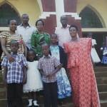 Mh. Prof Tibaijuka(MB) katika picha ya pamoja na Familia mara baada ya ibada ya Christmas kanisa la Kiijuile,wilayani Muleba